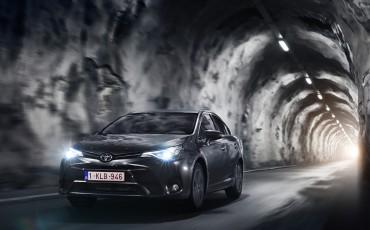 20150618-089-Toyota-Avensis-zakelijk-talent-Sedan