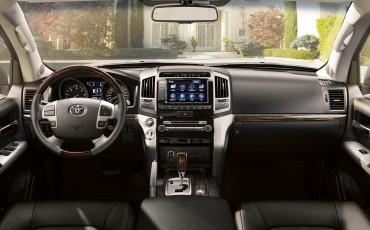2012-04 Land Cruiser V8 Dashboard