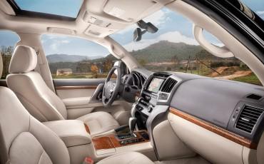 2012_01_Land Cruiser V8_4
