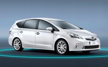 2012_01_Prius Wagon_3
