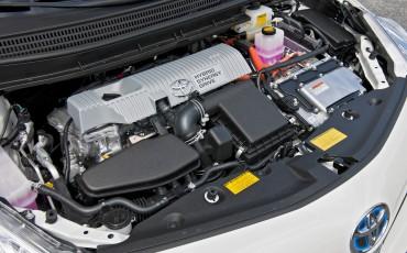 2012_05_Prius Wagon_4