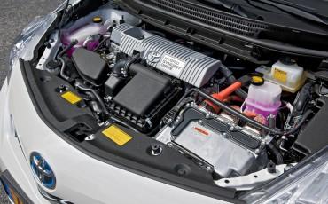 2012_05_Prius Wagon_5