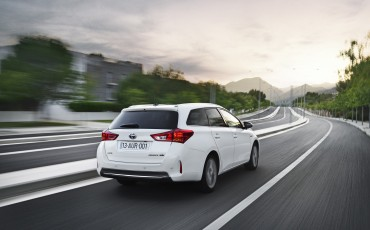 20130628_03-Toyota_Auris_Touring_Sports.jpg