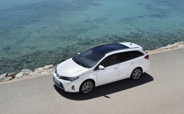 20130628_14-Toyota_Auris_Touring_Sports.jpg