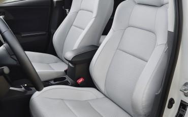 20130628_19-Toyota_Auris_Touring_Sports.jpg