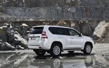 2013_08_26-02-Toyota-Land-Cruiser-2013-exterieur.jpg