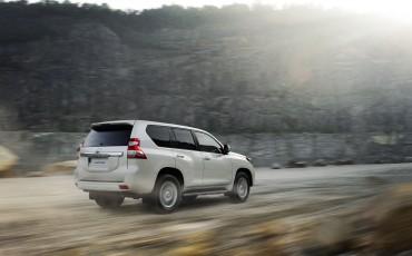 2013_08_26-04-Toyota-Land-Cruiser-2013-exterieur.jpg