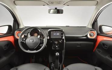 20140304_08_De_nieuwe_Toyota_AYGO_heeft_de_X-factor_in_het_A-segment