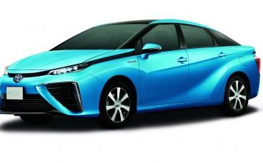 Toyota onthult productierijpe Fuel Cell auto op waterstof