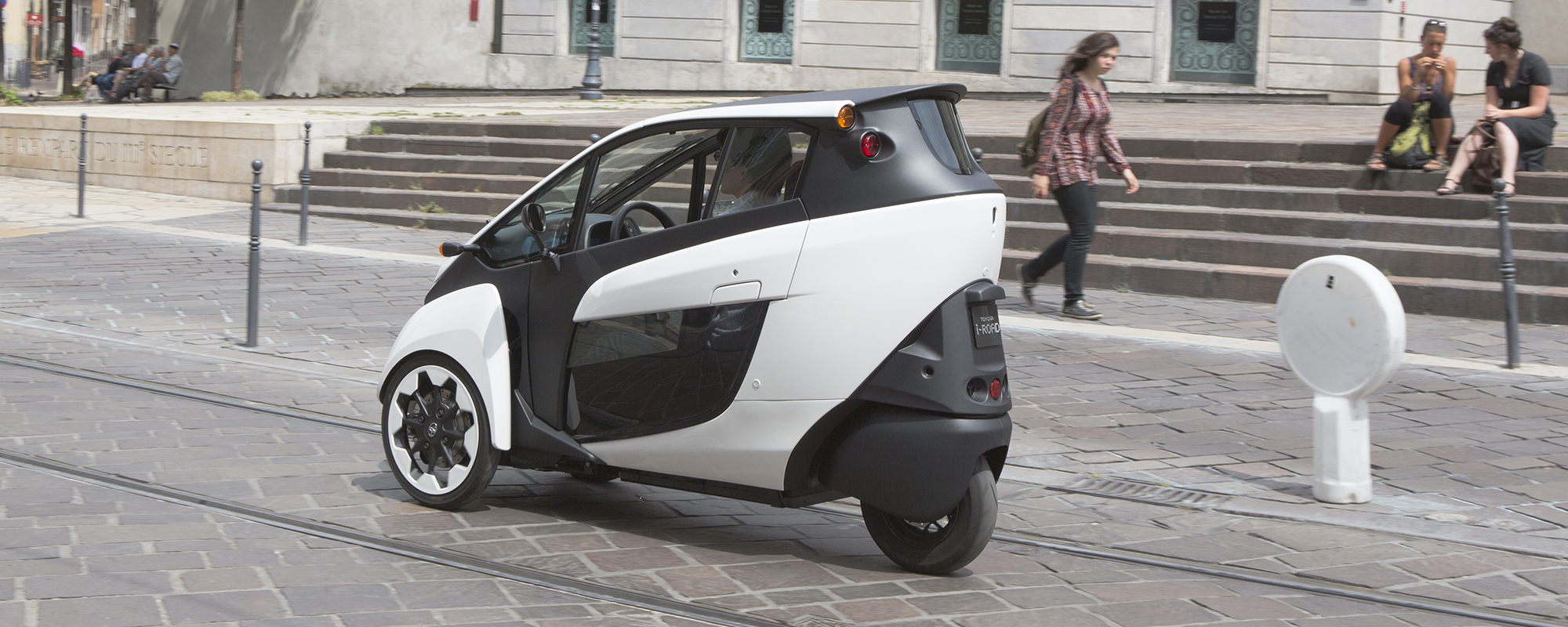 Toyota i-ROAD in Smart City project