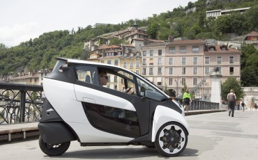 20140702_02-Toyota-i-ROAD-in-Smart-City-project-in-Grenoble.jpg