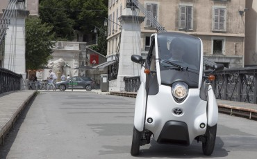 20140702_03-Toyota-i-ROAD-in-Smart-City-project-in-Grenoble.jpg