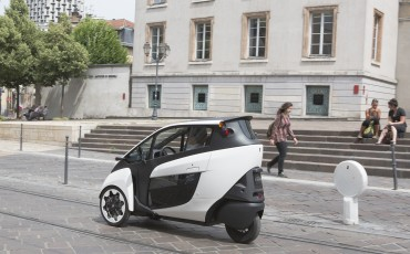 20140702_06-Toyota-i-ROAD-in-Smart-City-project-in-Grenoble.jpg
