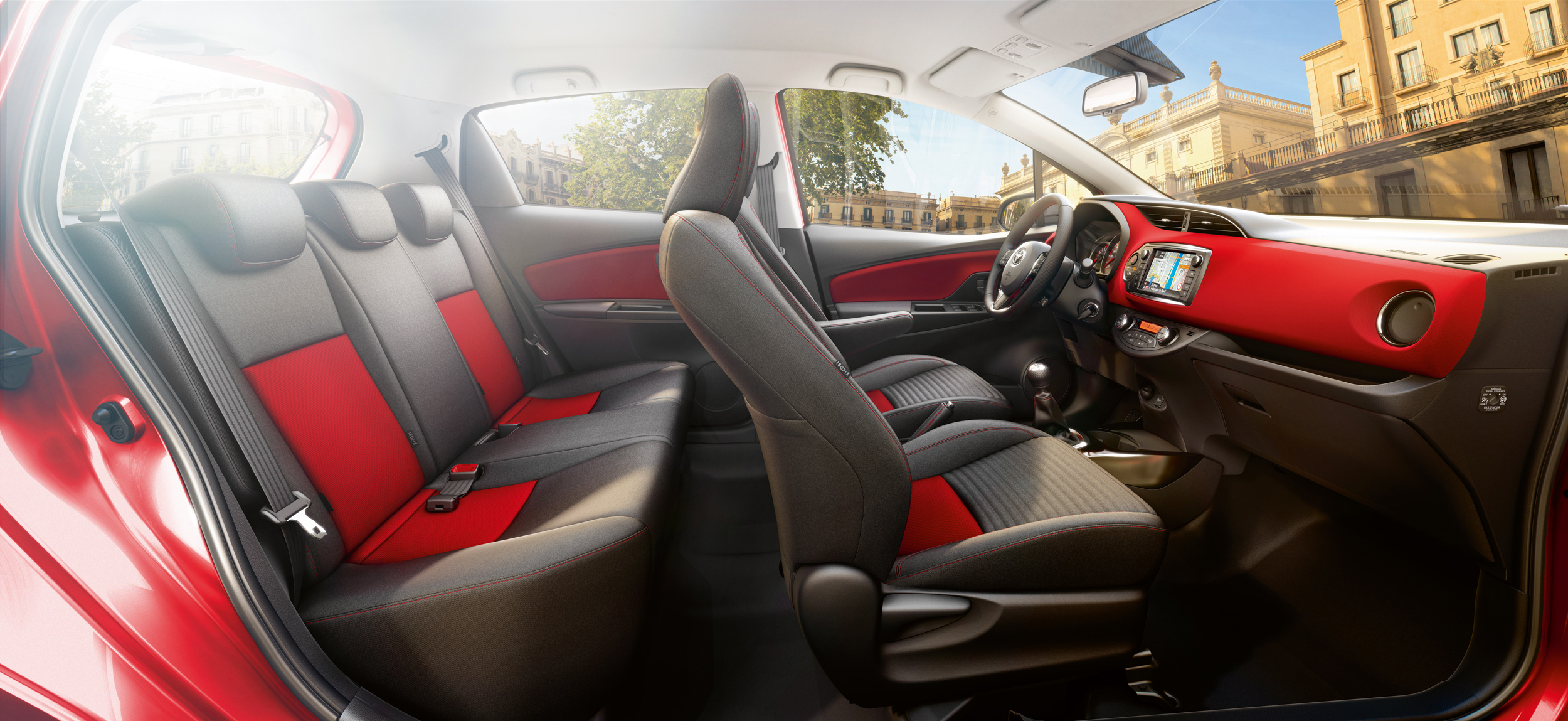 Toyota op maat nu ook beschikbaar voor nieuwe yaris for Interieur yaris 2015