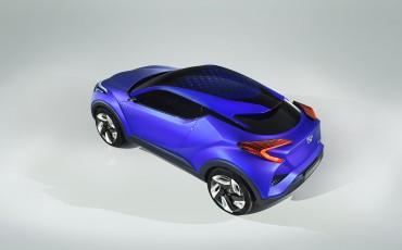 20140922-02-Haute-couture-uit-Parijs-Toyota-C-HR-Concept.jpg
