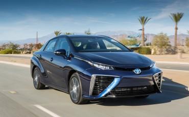 20141118-02-Toyota-introduceert-de-Toyota-Mirai-Fuel-Cell-Brandstof-Auto-op-waterstof