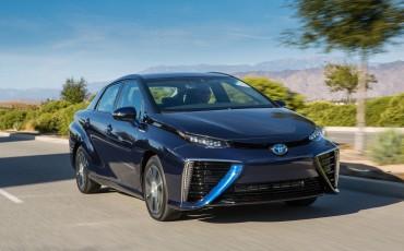 20141118-03-Toyota-introduceert-de-Toyota-Mirai-Fuel-Cell-Brandstof-Auto-op-waterstof