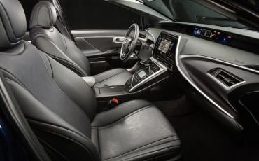 20141118-07-Toyota-introduceert-de-Toyota-Mirai-Fuel-Cell-Brandstof-Auto-op-waterstof