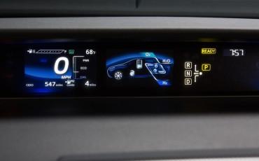 20141118-10-Toyota-introduceert-de-Toyota-Mirai-Fuel-Cell-Brandstof-Auto-op-waterstof