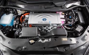20141118-13-Toyota-introduceert-de-Toyota-Mirai-Fuel-Cell-Brandstof-Auto-op-waterstof