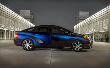 20141118_01-Toyota_slaat_met_innovatieve_Fuel_Cell_Mirai_nieuwe_mijlpaal_voor_duurzame_mobiliteit