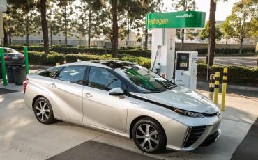 20150116-03-Japanse-verkoop-van-fuel-cell-Toyota-Mirai-overtreft-alle-verwachtingen