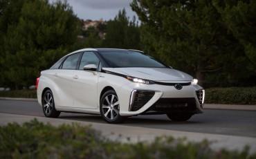 20150303-02-Productieversie-Toyota-Mirai-voor-het-eerst-in-Europa
