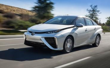 20150303-03-Productieversie-Toyota-Mirai-voor-het-eerst-in-Europa.jpg