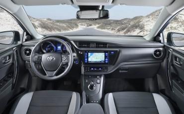 20150303-05-Nieuwe-Toyota-Auris-nieuwe-motoren-en-veiliger.jpg