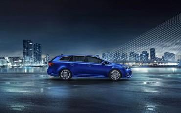 20150325_01_Prijzen_en_leaseprijs_van_nieuwe_Avensis_1_6_D-4D_Diesel.jpg