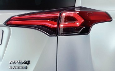 20150326-02-Hybride-aanbod-nog-breder-met-Toyota-RAV4-Hybrid.jpg