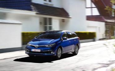 20150602-20-Nieuwe-Toyota-Auris-de-enige-14-procent-Wagon-met-standaard-automaat-en-up-to-date-actieve-veiligheid-Touring-Sports