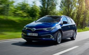 20150602-22-Nieuwe-Toyota-Auris-de-enige-14-procent-Wagon-met-standaard-automaat-en-up-to-date-actieve-veiligheid-Touring-Sports