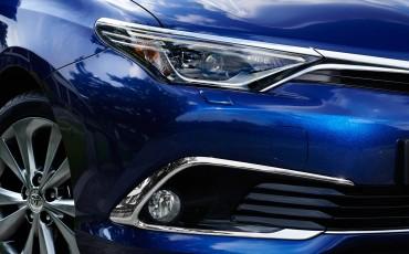 20150602-35-Nieuwe-Toyota-Auris-de-enige-14-procent-Wagon-met-standaard-automaat-en-up-to-date-actieve-veiligheid-Touring-Sports