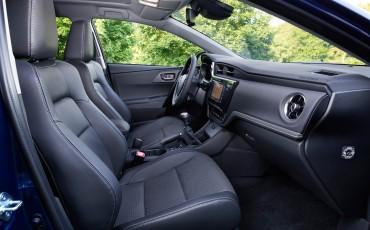 20150602-43-Nieuwe-Toyota-Auris-de-enige-14-procent-Wagon-met-standaard-automaat-en-up-to-date-actieve-veiligheid-Touring-Sports