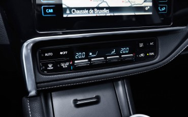 20150602-48-Nieuwe-Toyota-Auris-de-enige-14-procent-Wagon-met-standaard-automaat-en-up-to-date-actieve-veiligheid-Touring-Sports