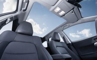 20150602-50-Nieuwe-Toyota-Auris-de-enige-14-procent-Wagon-met-standaard-automaat-en-up-to-date-actieve-veiligheid-Touring-Sports