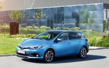 20150602-51-Nieuwe-Toyota-Auris-de-enige-14-procent-Wagon-met-standaard-automaat-en-up-to-date-actieve-veiligheid-Hatchback.jpg