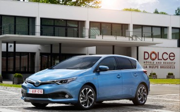 20150602-56-Nieuwe-Toyota-Auris-de-enige-14-procent-Wagon-met-standaard-automaat-en-up-to-date-actieve-veiligheid-Hatchback