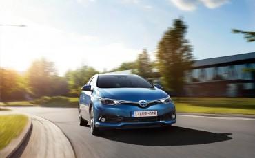 20150602-59-Nieuwe-Toyota-Auris-de-enige-14-procent-Wagon-met-standaard-automaat-en-up-to-date-actieve-veiligheid-Hatchback