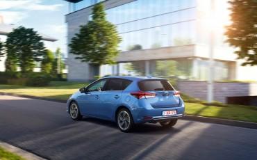 20150602-61-Nieuwe-Toyota-Auris-de-enige-14-procent-Wagon-met-standaard-automaat-en-up-to-date-actieve-veiligheid-Hatchback