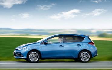 20150602-65-Nieuwe-Toyota-Auris-de-enige-14-procent-Wagon-met-standaard-automaat-en-up-to-date-actieve-veiligheid-Hatchback