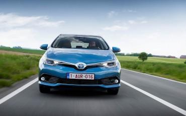 20150602-67-Nieuwe-Toyota-Auris-de-enige-14-procent-Wagon-met-standaard-automaat-en-up-to-date-actieve-veiligheid-Hatchback