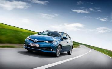 20150602-69-Nieuwe-Toyota-Auris-de-enige-14-procent-Wagon-met-standaard-automaat-en-up-to-date-actieve-veiligheid-Hatchback