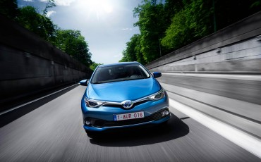20150602-73-Nieuwe-Toyota-Auris-de-enige-14-procent-Wagon-met-standaard-automaat-en-up-to-date-actieve-veiligheid-Hatchback