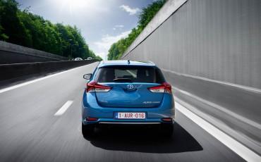 20150602-74-Nieuwe-Toyota-Auris-de-enige-14-procent-Wagon-met-standaard-automaat-en-up-to-date-actieve-veiligheid-Hatchback