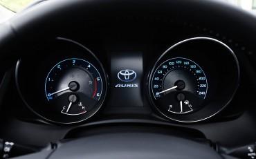 20150602-77-Nieuwe-Toyota-Auris-de-enige-14-procent-Wagon-met-standaard-automaat-en-up-to-date-actieve-veiligheid-Hatchback