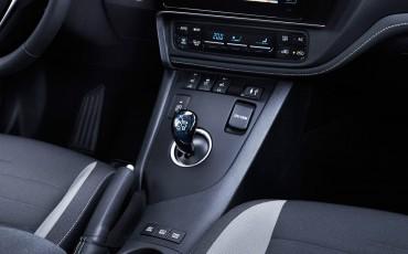 20150602-79-Nieuwe-Toyota-Auris-de-enige-14-procent-Wagon-met-standaard-automaat-en-up-to-date-actieve-veiligheid-Hatchback
