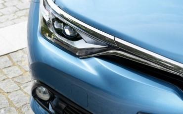 20150602-85-Nieuwe-Toyota-Auris-de-enige-14-procent-Wagon-met-standaard-automaat-en-up-to-date-actieve-veiligheid-Hatchback