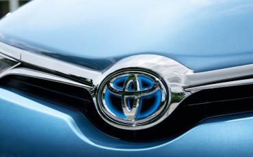 20150602-86-Nieuwe-Toyota-Auris-de-enige-14-procent-Wagon-met-standaard-automaat-en-up-to-date-actieve-veiligheid-Hatchback